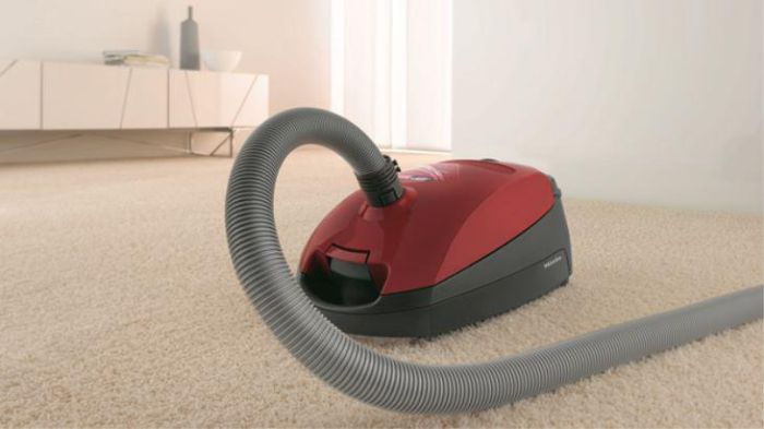 Miele Cylinder Cleaner CLASSIC-C1-POWERLINE - Mango Red Image 1