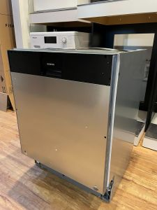Siemens Built In 60 Cm Dishwasher Fully SN678D01TG-EX-DISPLAY - Fully Integrated
